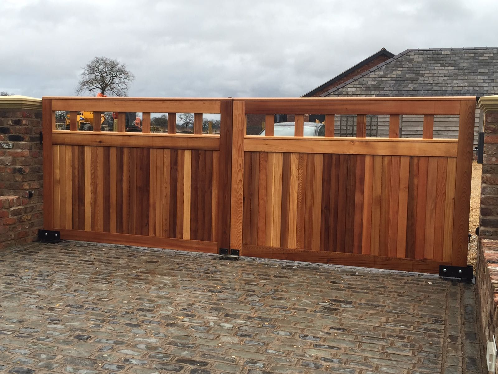 automatic timber swinging gates